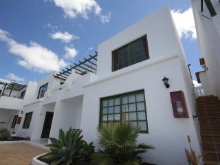 Apartment Los Zafiros in Puerto del Carmen - Puerto Del Carmen vacation rentals