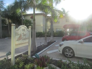 Spacious Intracoastal Studio #202 - Fort Lauderdale vacation rentals