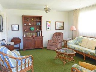 Fall $pecials - Vacation Home - Lindley #126 4b/3b Steps To The Ocean - Daytona Beach vacation rentals