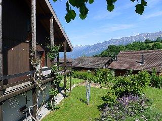 3 bedroom Villa in Faulensee, Bernese Oberland, Switzerland : ref 2296969 - Faulensee vacation rentals