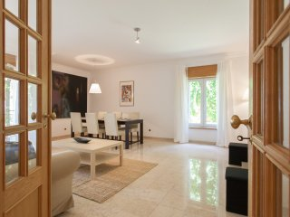 2 bedroom Apartment with Washing Machine in Estoril - Estoril vacation rentals