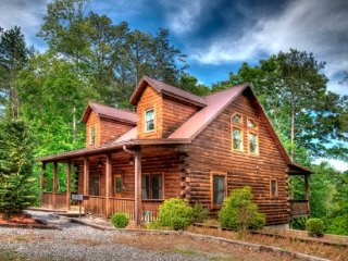 Gorgeous 4 bedroom Cabin in Bryson City - Bryson City vacation rentals