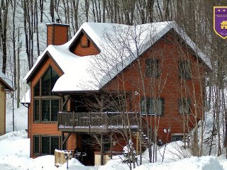 BEAUTIFUL CHALET, 2 bedroom,2 bath,spa - Quebec City vacation rentals