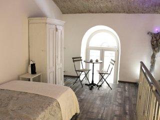 Loft21, Arch room - Trieste vacation rentals