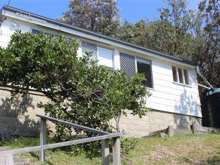 TRADEWINDS   -   40 Kinka Rd Seal Rocks - Seal Rocks vacation rentals