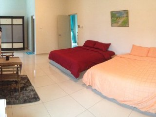 Bright 4 bedroom House in Melaka with A/C - Melaka vacation rentals