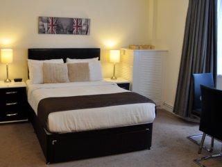 Superior Studio Apartment - Amazing area! - London vacation rentals