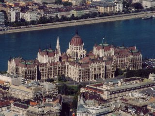 Parliament downtown up to 4 pers, wifi Metro2,   2 rooms - Budapest vacation rentals