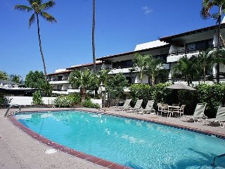 Oceanfront Complex! AC, WIFI, No Stairs - Kailua-Kona vacation rentals