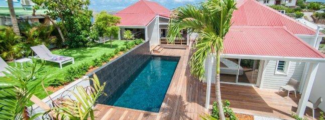 Contemporary 3 Bedroom In Pointe Milou, Heated Pool, Sleeps 6 - Pointe Milou vacation rentals