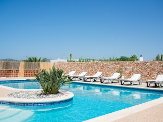 Wonderful house with large pool and outdoor space - Sant Antoni de Portmany vacation rentals
