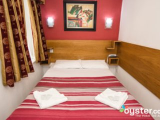 London Guest House - Double Room - London vacation rentals