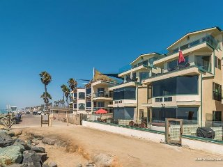 7br/7ba Luxury Oceanfront Retreat, Oceanview Decks, Spa, BBQ A/C Equipped - Oceanside vacation rentals