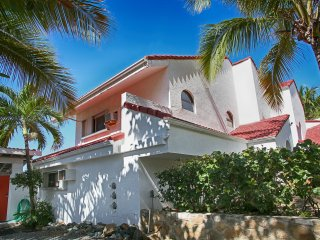 Private beach & Amazing views! 2 bed/ 2bath house! - Charlotte Amalie vacation rentals