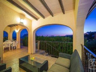 3 bedroom Villa in Calpe, Costa Blanca, Spain : ref 2031796 - La Llobella vacation rentals