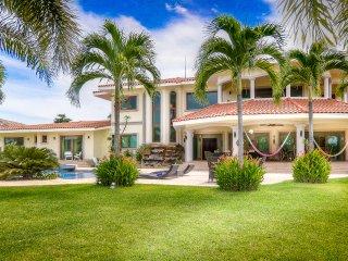 Buenaventura: amazing mansion by the sea - Farallon vacation rentals