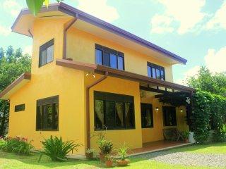 Villa La Fortuna: Charming & Comfortable - La Fortuna de San Carlos vacation rentals