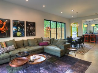 ACL - Convenient Location! Dutch Modern - Austin vacation rentals