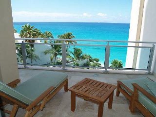 Beautiful Apartment & View! 3 Bedroom - Lots of Space! Stay 7 Pay 6 - Saint Martin-Sint Maarten vacation rentals