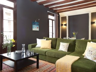Enjoybcn Colon Apartments- Space for 7 people next to Las Ramblas & Barceloneta - Barcelona vacation rentals