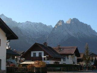 """""""Peak View"""".Perfectly located/equipped-Sleeps 8/9 - Garmisch-Partenkirchen vacation rentals"""