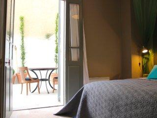 Romantic 1 bedroom Apartment in Avignon - Avignon vacation rentals