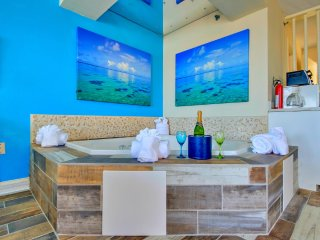 OCEANFRONT PENTHOUSE ROMANCE JACUZZI CONDO - Myrtle Beach vacation rentals