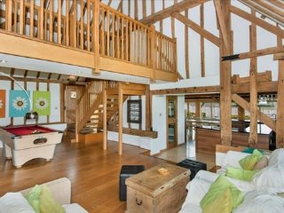 Heel Farm Barn Near Canterbury & Whitstable - Stalisfield vacation rentals