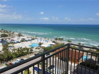 Amazing 2bed/2bath right on the beach - Hallandale vacation rentals