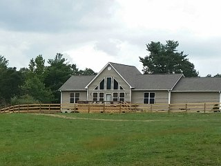Beautiful 3 bedroom Hendersonville House with A/C - Hendersonville vacation rentals