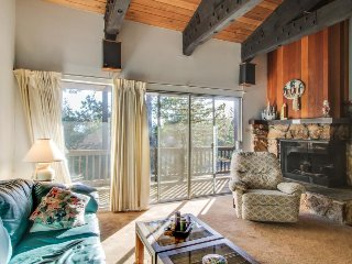 Sunny, dog-friendly condo w/ shared pool, hot tub, & sauna - close to the lake! - Tahoe City vacation rentals
