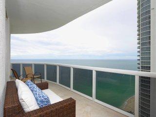 Luxury oceanview 3 Bedrooms + 3 Bathrooms -The Gabrielle - North Miami Beach vacation rentals
