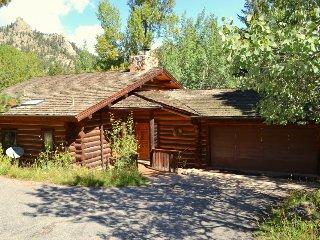 Breathtaking Log Home on River - Estes Park vacation rentals