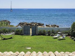 Ionian Haven holiday vacation villa rental italy, sicily, syracuse, siracusa, on beach, seaside, wi-fi, air conditioning, short term - Syracuse vacation rentals