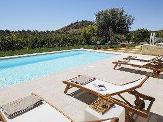 Casa Nesoi holiday vacation apartment villa rental italy, sicily, noto, near beaches, near syracuse, pool, air conditioning, Wi-Fi, - Noto vacation rentals