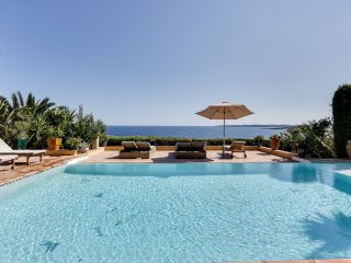 Beautiful Villa with Oriental Flair Overlooking the Sea - Saint-Maxime vacation rentals