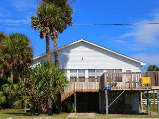 "133 Palmetto Blvd - ""Peach Pit"" - Edisto Beach vacation rentals"