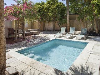 SALTY BUNGALOWS: STAY AT TORTUGA HOUSE FOR VACATION, STAYCATION, OR RELOCATION - Fort Lauderdale vacation rentals