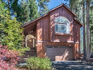 Sugar Pine Haus with Hot Tub Bordering the State Park - Tahoma vacation rentals