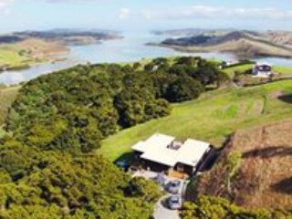 The Retreat at Takahoa Bay - Kaiwaka vacation rentals