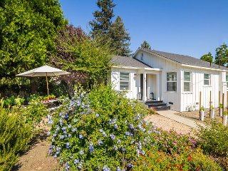 1BR Napa Valley Vineyard Cottage at Charter Oak Winery – Tour and Tasting! - Saint Helena vacation rentals