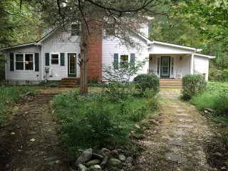 Spruce Creek Retreat: White Oak Canyon/Old Rag Mt - Syria vacation rentals