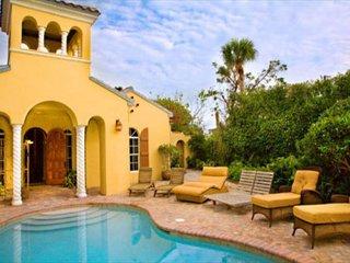 Courtyard style Captiva Villa with pool, near beach - Captiva Island vacation rentals