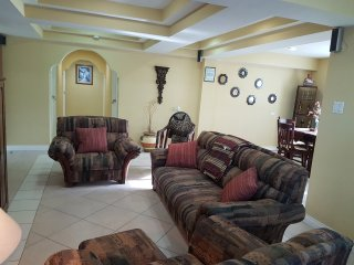 Furnished 3 Bed 1.5 Bath Downtown Belize City - Belize City vacation rentals