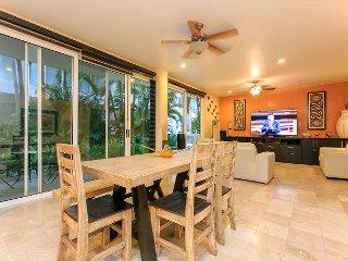 Five Star Condo Best Location Reasonably Price on MAMITAS BEACH & 5TH AVENUE - Playa del Carmen vacation rentals