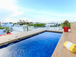Incredible Location on 5th Avenue in Playa + Close Beach + up to 6 people - Playa del Carmen vacation rentals