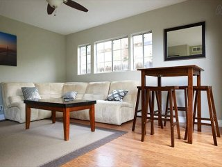 Cozy 2BD House, Minutes From FB and Stanford Univ! - East Palo Alto vacation rentals
