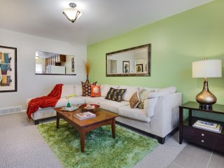 Your SLC Home Base! Breakfast, 3 TVs, Netflix, Keyless Entry, Fast WiFi - Salt Lake City vacation rentals