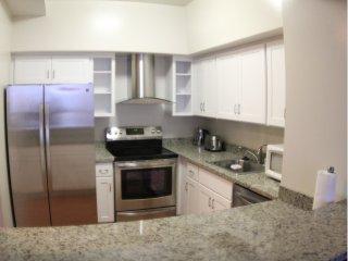 Comfy and Tastefully Furnished Emeryville Apartment - 1 Bedroom, 1.5 Bathroom - Emeryville vacation rentals