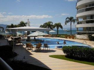 Fantástico Apartamento com vista para o mar! - Cachoeira do Bom Jesus vacation rentals
